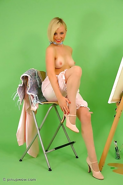 Beautiful blonde pinup..