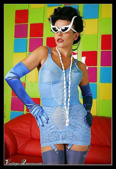 Model eve posing in blue fifties lingerie - part 1008