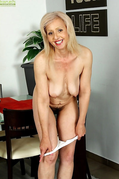 Platinum granny xxxpartner! shiela karups older women! - part 864
