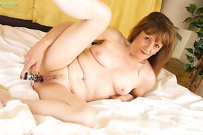 Mature pandora sparrow spreading and toying her pierced pussy - part 379